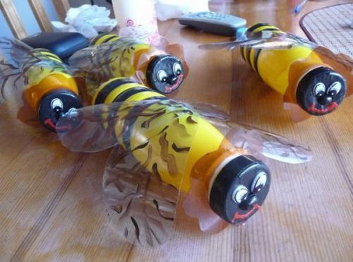 Пчелка из бутылки своими руками