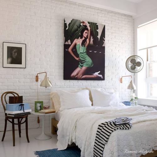 Интерьер с белой кирпичной стеной.  Чем привлекательна стена из белого кирпича?
