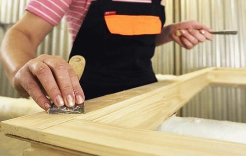 Как обновить деревянные окна покрытые лаком. Как обновить старые деревянные окна