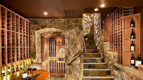 Строить с дом с подвалом. Подвал: тонкости проектирования и создания подвального помещения