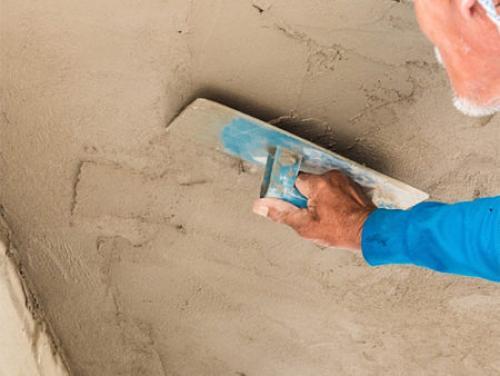 Ремонт штукатурки потолков. Штукатурка потолка своими руками — особенности проведения работ