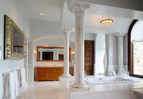Фальш-колонны в интерьере. Колонны в интерьере — 90 фото лучших идей изящного дизайна и декора