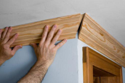Плинтус потолочный чем резать. Как правильно резать углы потолочных плинтусов: как с помощью стусла так и без него